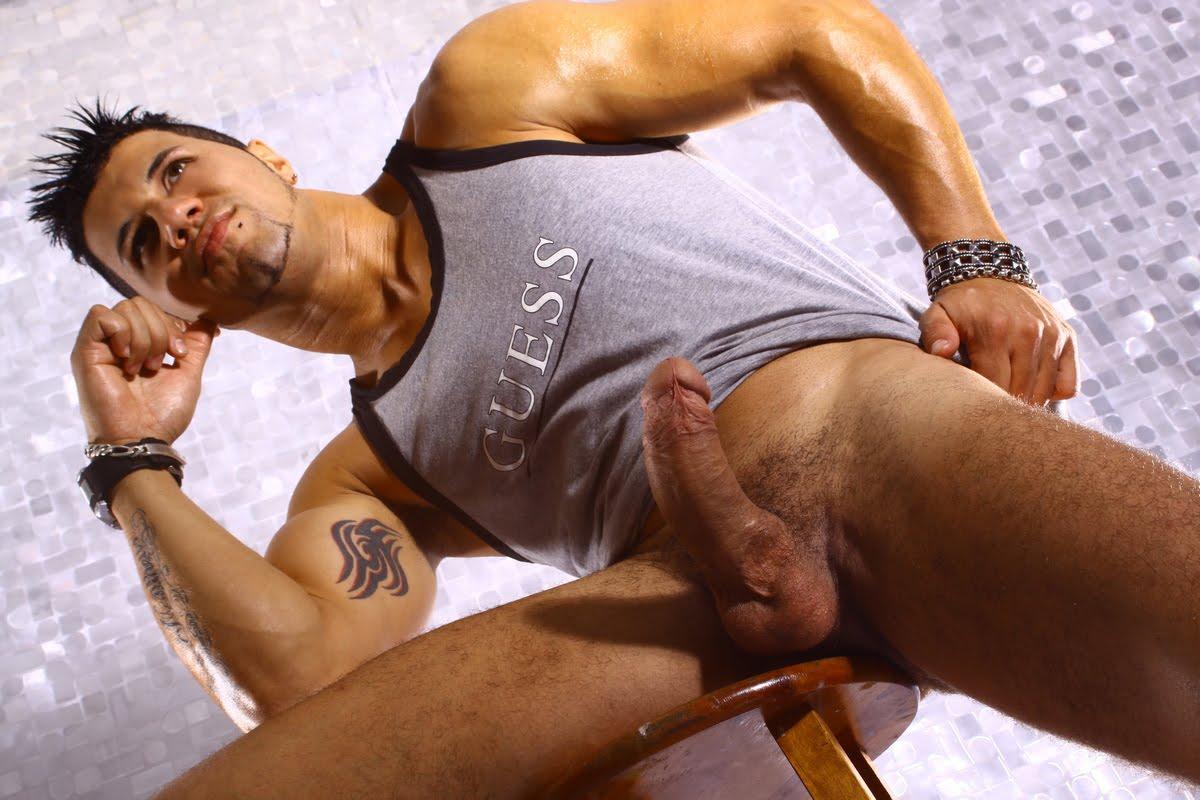 Tesao Gay Online Fotos Garoto Ativo Gostoso Mega Dotado