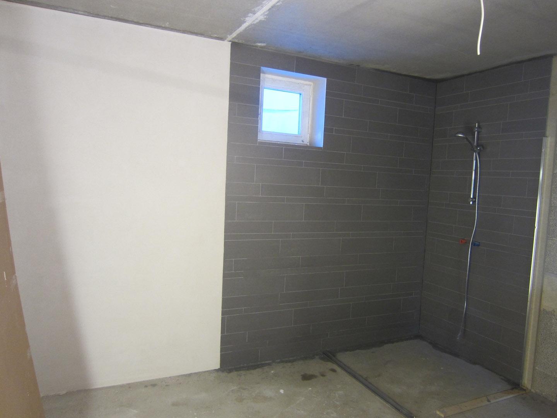 Kosten Muurtje Badkamer : Puth badkamer met inloopdouche mooi meubel met opbouw kommen en