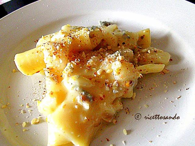 Pasta pere pistacchi ricetta primi
