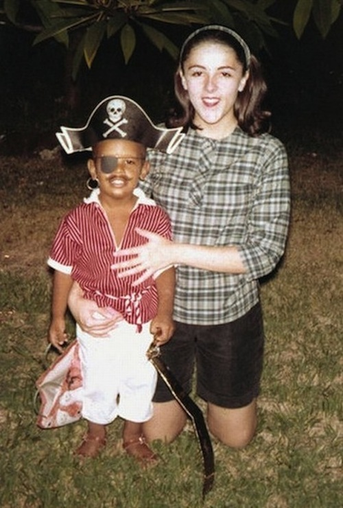 halloween-barack-obama-mom-ann-dunham.jp