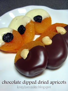 chocolate-dipped-dried-apricots