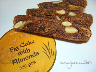 fig cake with almonds