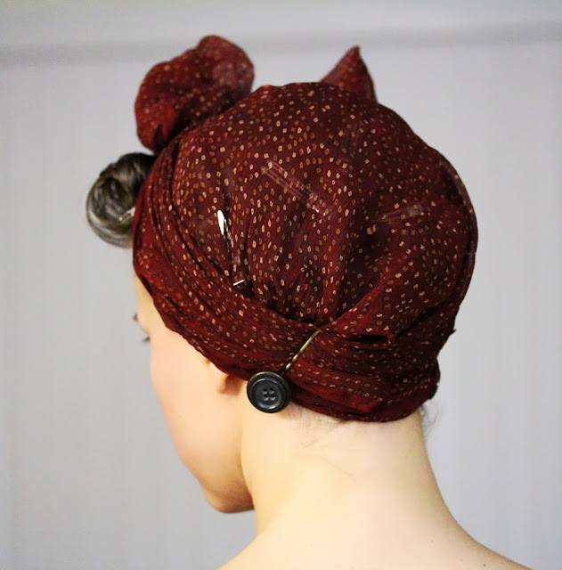 How to Tie a Vintage Style Head Scarf Bow ~ ChatterBlossom #pincurl #vintage #retro #hairstyle #hair