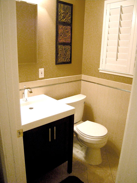 Small bathroom design ideas for Small 1 2 bathroom decorating ideas