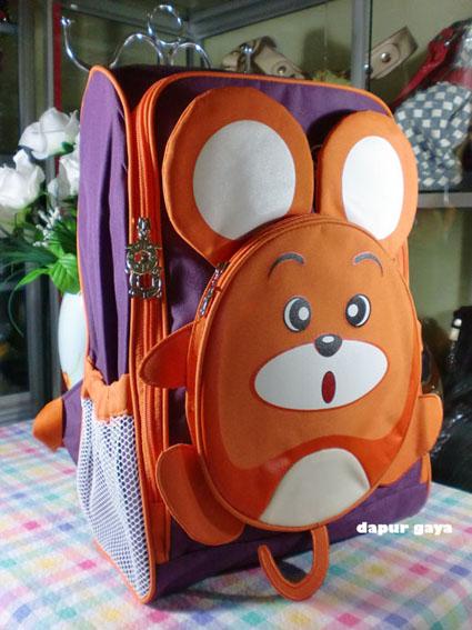 Model tas sekolah anak laki-laki yang unik