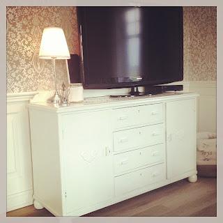 tv stol hytte