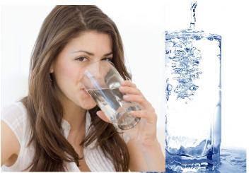 Penelitian Buktikan Minum Air Putih Sebelum Makan Bikin Langsing