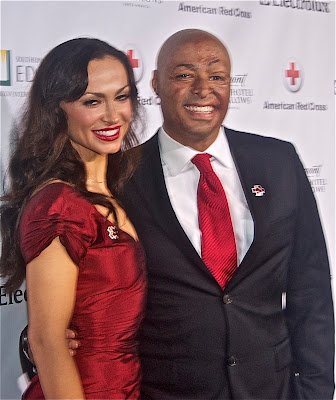 J.R Martinez with Dancing With The Stars partner Karina Smirnoff