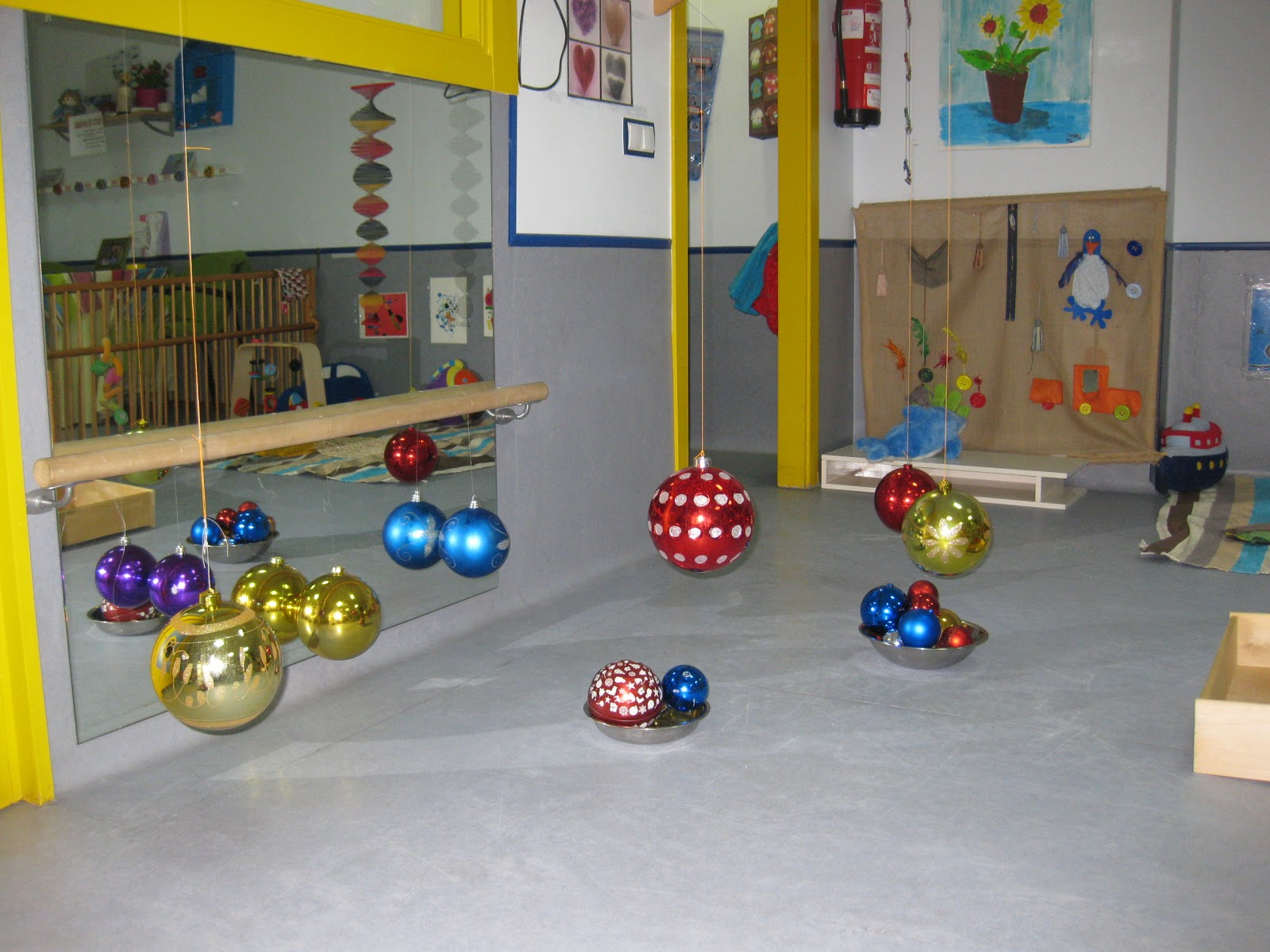 Aprendiendo a ser madre mi rcoles mudo decoraci n for Decoracion navidena infantil