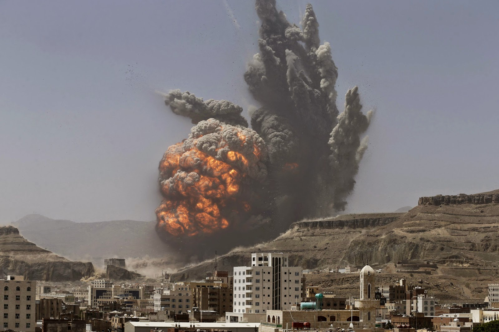 e7fb8a799f An air strike on a Scud missile base in the Houthi-controlled Yemeni  capital Sanaa triggered a big explosion that killed 25 people and wounded  almost 400 on ...