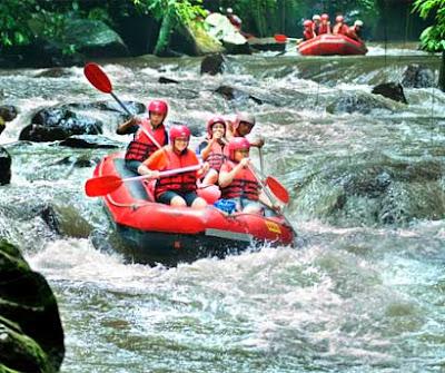 rafting in Bali, ayung rafting, telagawaja rafting, climb mount Batur, paragliding in Bali, bali adventure, holiday in bali