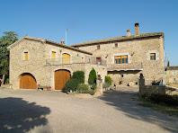 L'antiga masia de la Casanova del Prat, adossada a la banda nord-oest del Prat