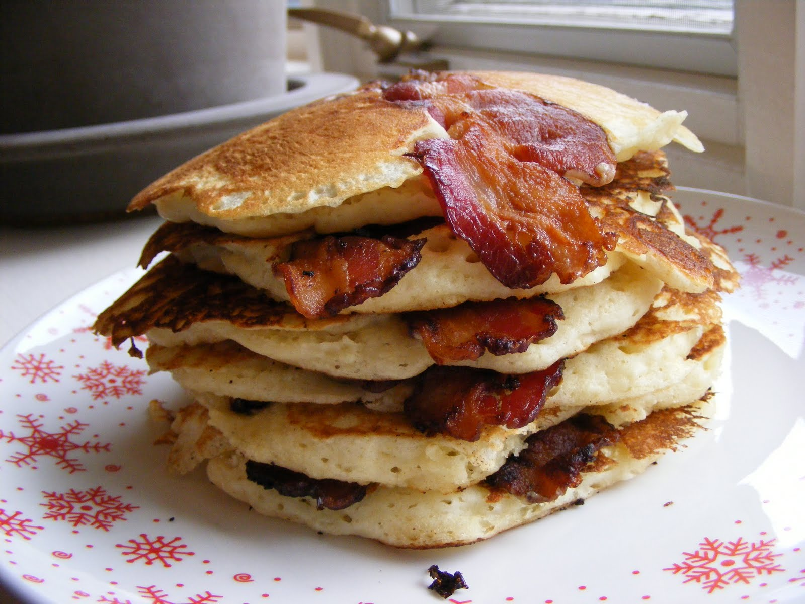 The Virtual Goody Plate: Pancake Week #4 Bacon Pancakes (Oh, Yes)