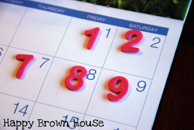 Creative and Cool Ways To Reuse Old Calendars (12) 10