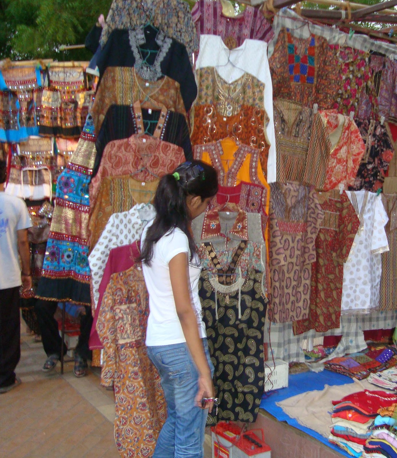 Ahmedabad Heritage And Monuments: Shopping