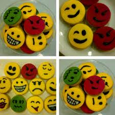 nothing is impossible if you try: Cara membuat Kue Emotion :)