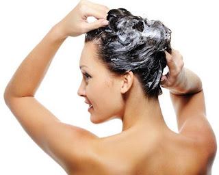 como dar volumen al pelo mojado