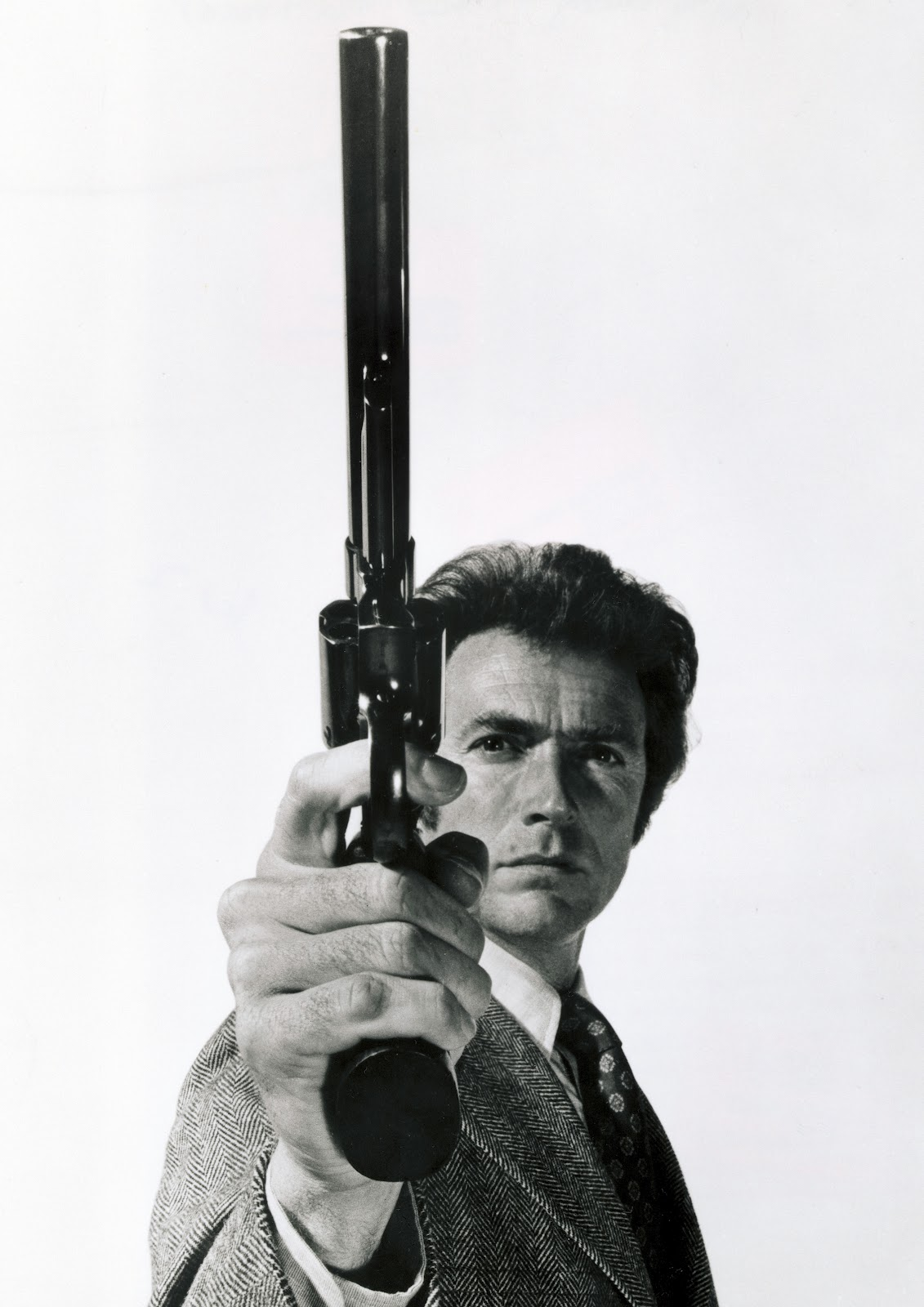http://2.bp.blogspot.com/-rJ_GnNXjUbE/UAIuDQpH5qI/AAAAAAAAxS0/MHpdJQXYEU0/s1600/clint_eastwood_dirty_harry_desktop_2818x3661_hd-wallpaper-495345.jpg
