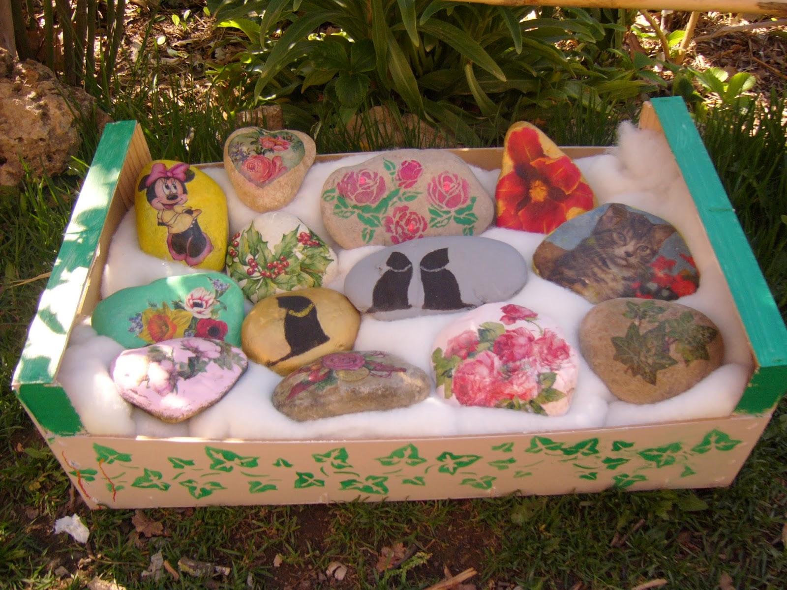 Decorar con piedras de rio good cmo decorar un bao con for Decoracion de canteros con piedras