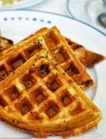 Waffles de Milho e Tomilho (vegana)