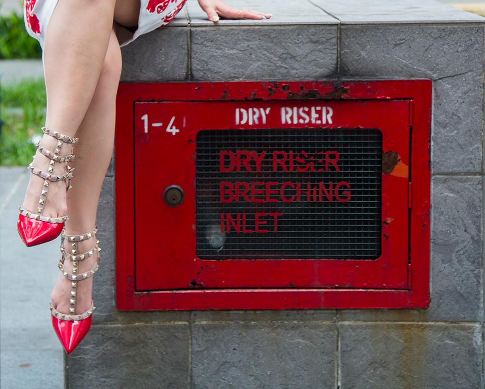 Fashion Blogger- CrystalPhuong- Valentino rockstud heels