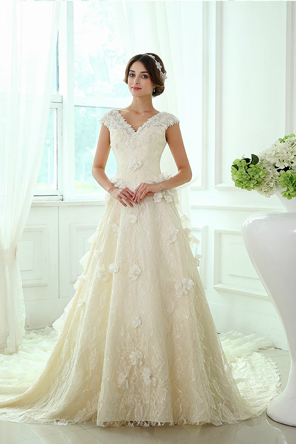 To be my chic bride october 2013 for Wedding dresses for apple shaped brides