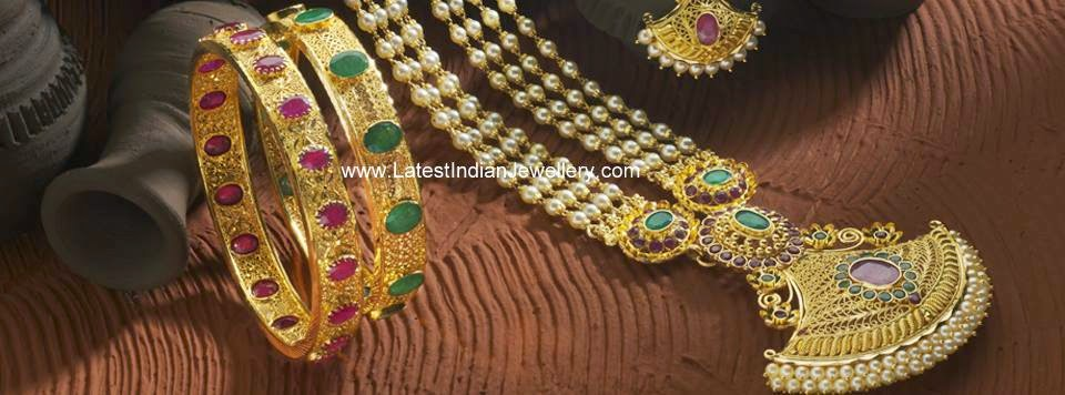 Antique Gold Pearls Haram Bangles Set