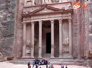 Menyusuri Keajaiban Dunia di Petra