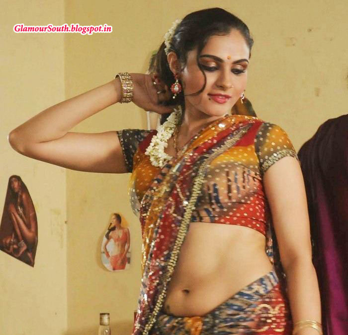 GlamourSouth.blogspot.in: Andrea jeremiah hot playback singer and Hot ...