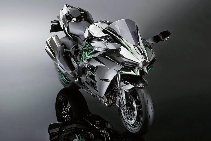 Kawasaki Ninja H2 (2015) Front Side