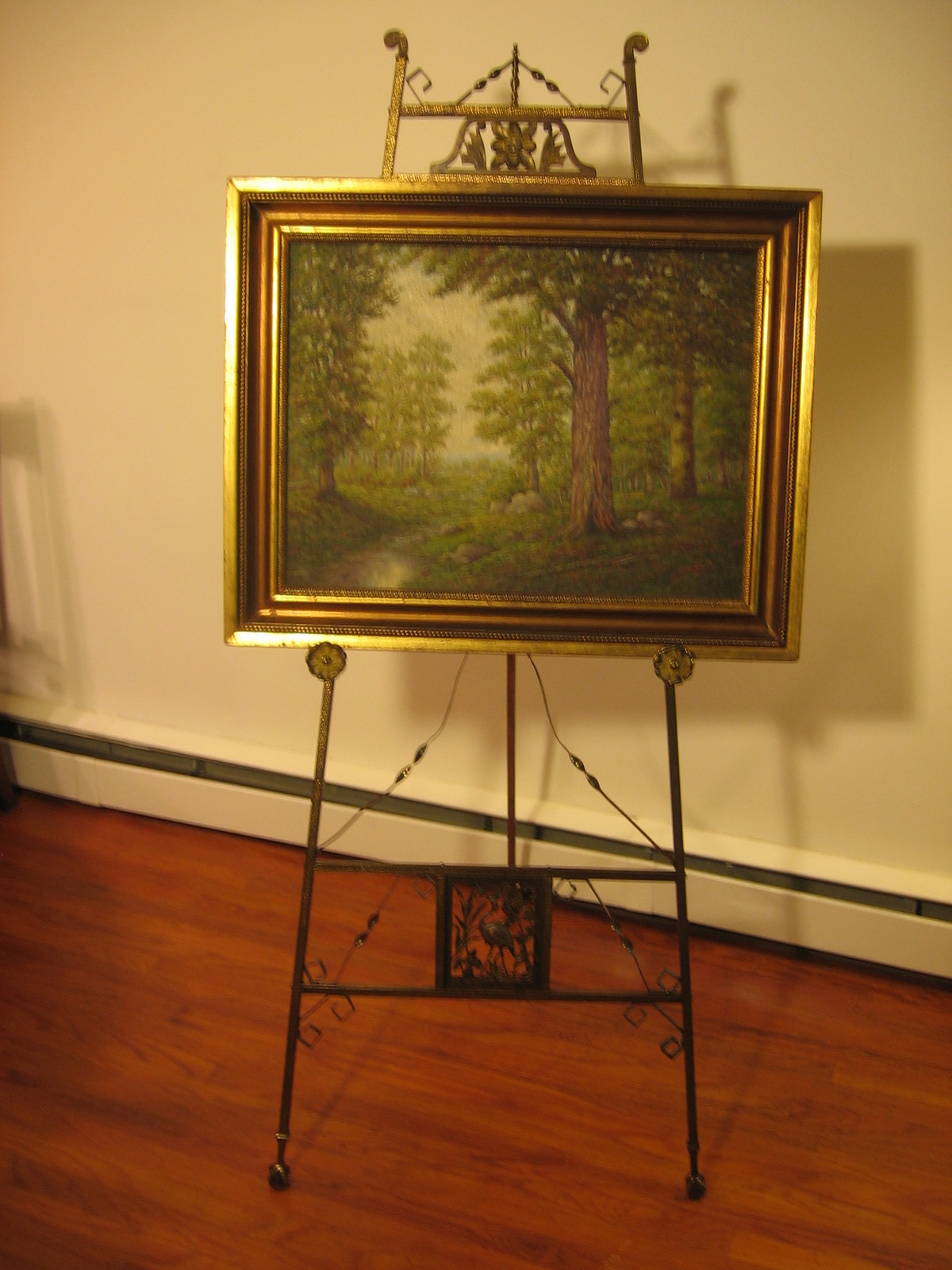 Antique Style: Antique Easels