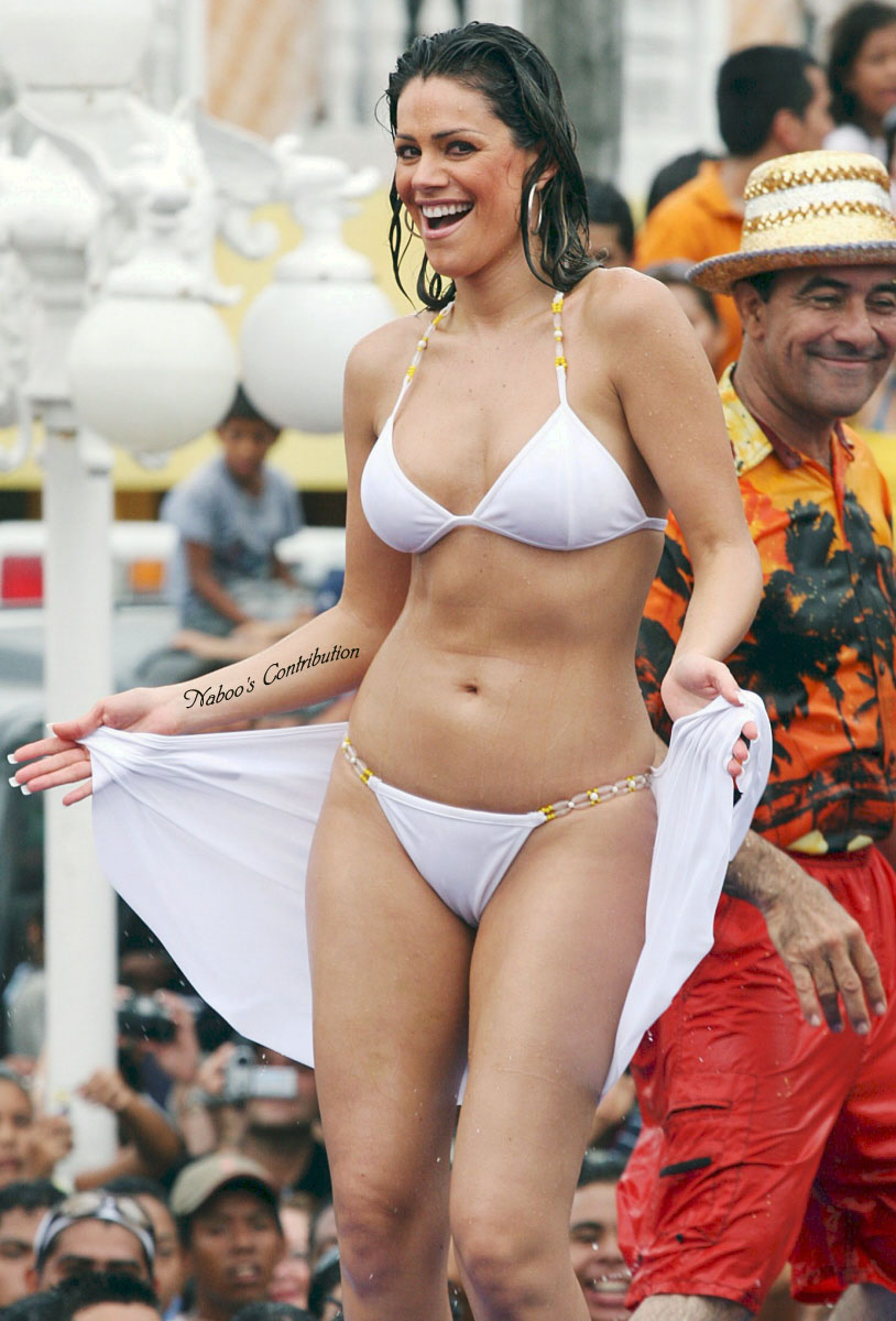 Luz Elena Gonzalez En Bikini Mojada Transparentando Panocha Y Markado