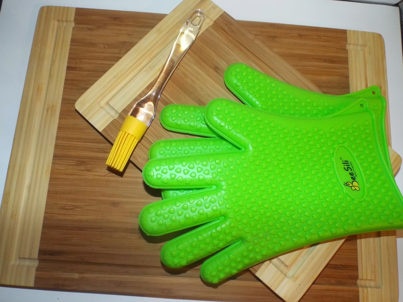 Bee Sili Silicone Gloves