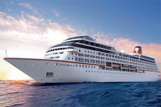 Hapag-Lloyd Cruises Columbus 2