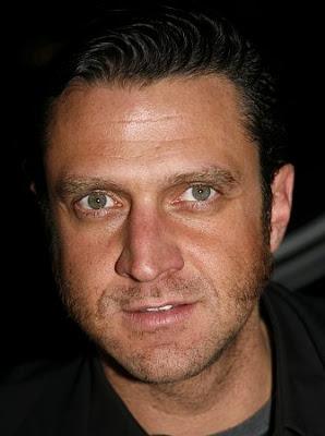 Raul Esparza actores de television