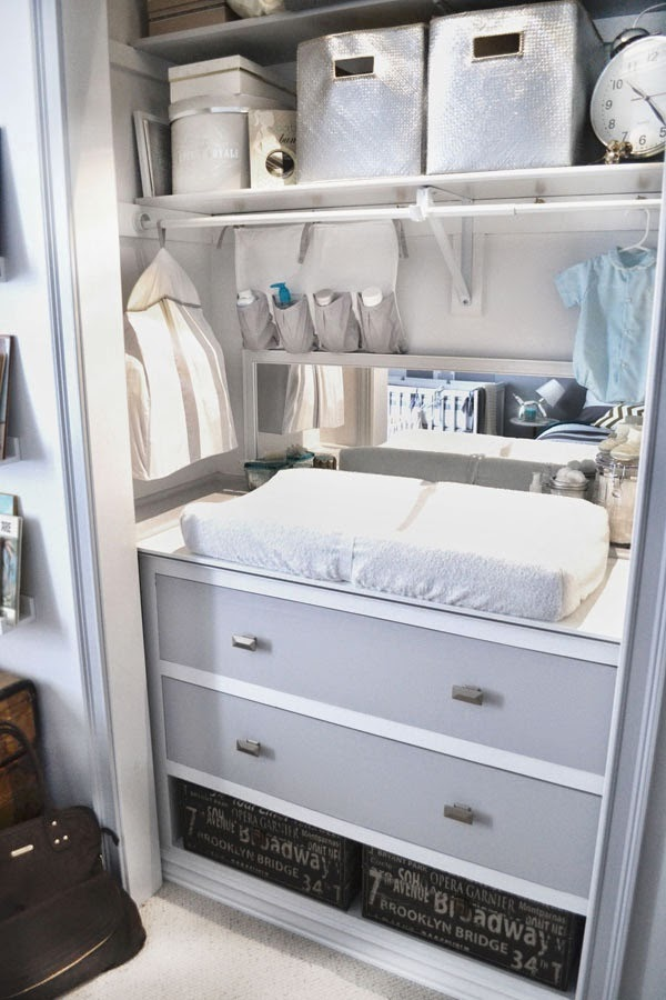 Cambiador infantil en armario