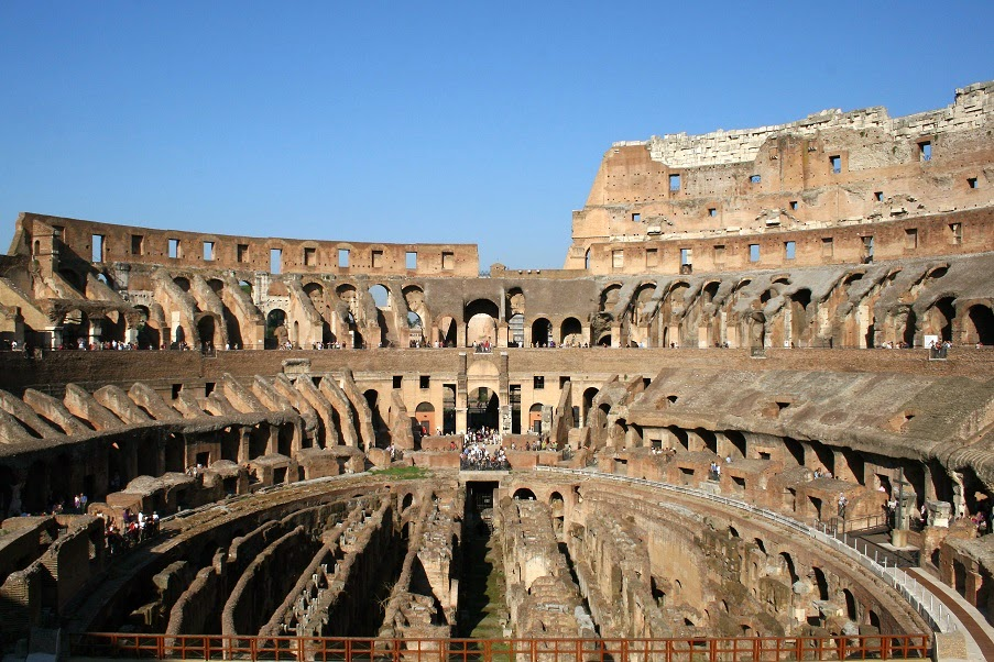 Two Women Arrested for Carving Their Initials in the Colosseum