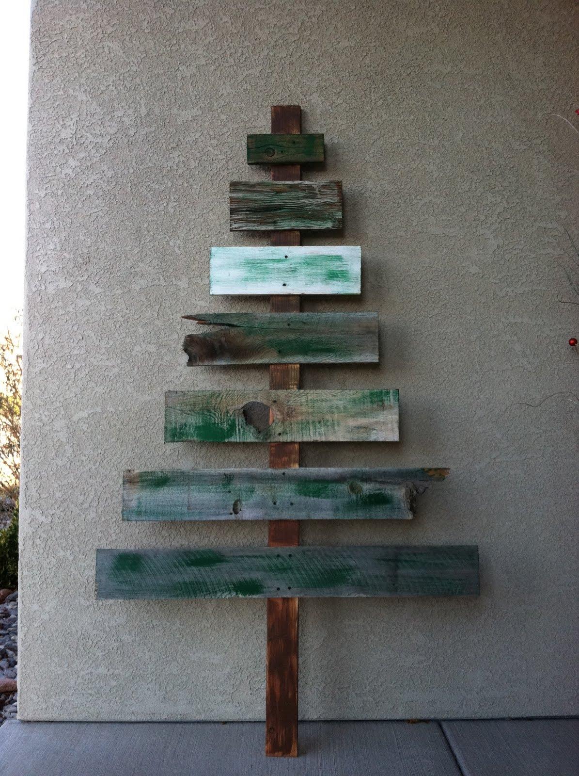 Scrap Wood Door : Shabby redo for you christmas front door decor thanks