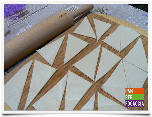 triangoli di sfoglia ai fichi