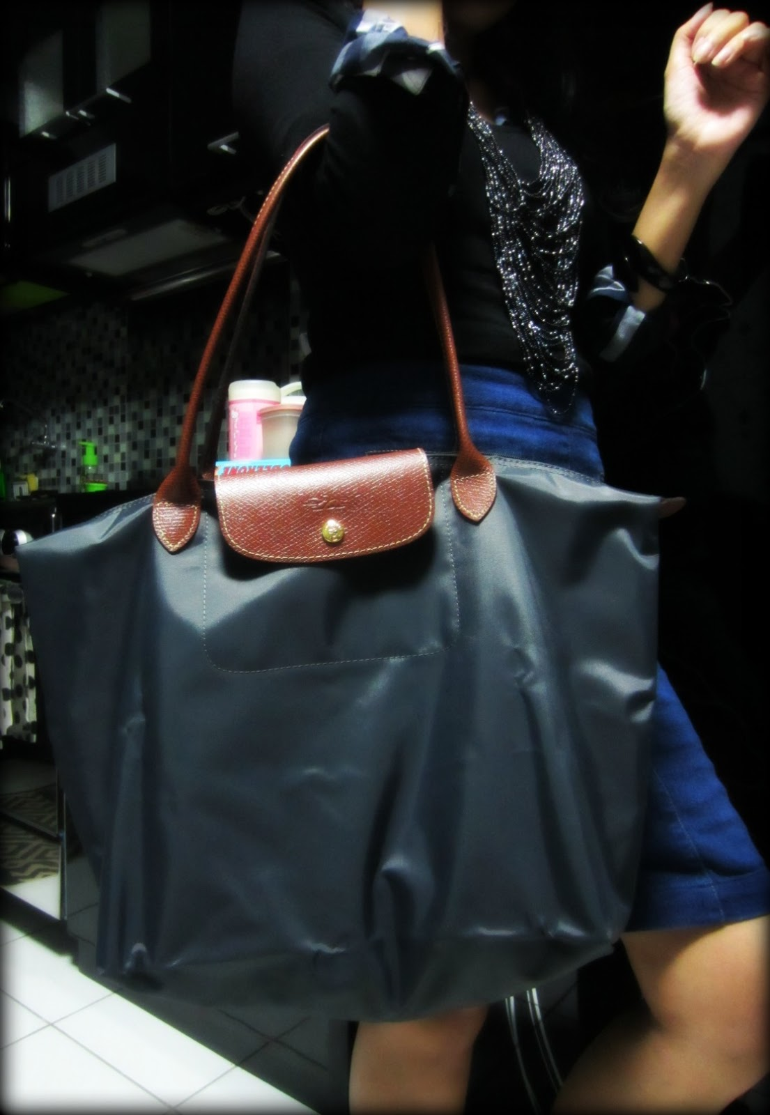 Bag Review   Longchamp Le Pliage Tote in Gunmetal + Links On How To Spot  The Fakes 4f0fe2f7f7