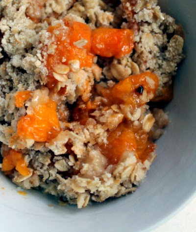 Apricot crisp with oat crumble topping