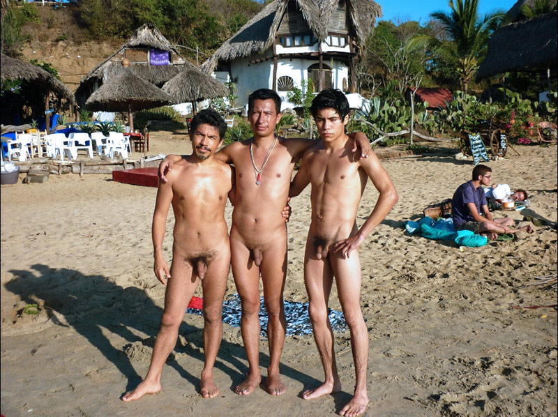 Naked amateur guys: Gay nude beach