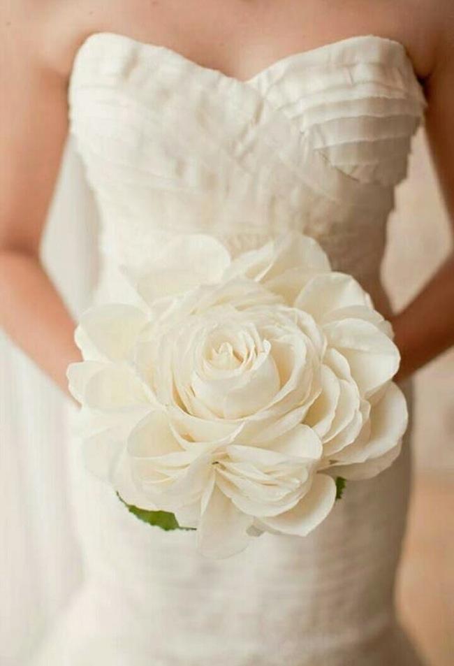 Bridal Bouquet Trend: The Single Stem | The Bridal Collective Blog