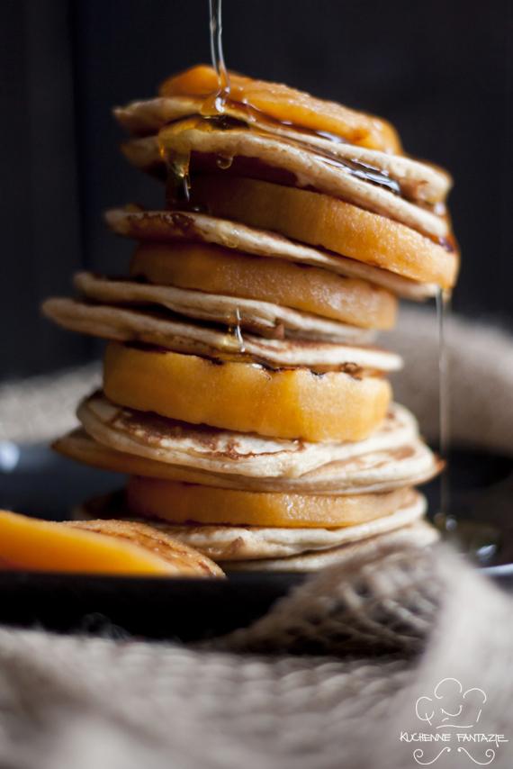 pankejk, pancake, naleśnik, placek, puszysty, z proszkiem do pieczenia, na słodko, owoc persymony, kaki, jabłko orientu