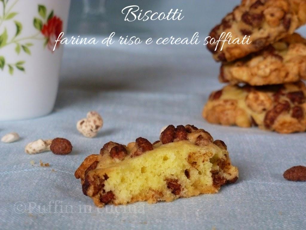 biscotti con farina di riso e cereali soffiati per una colazione croccante