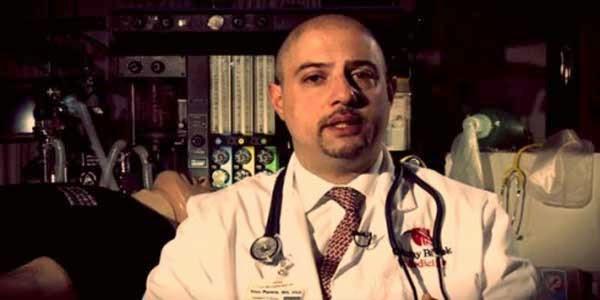 Sam Parnia adalah seorang dokter ilmuwan di Kedokteran Universitas ...
