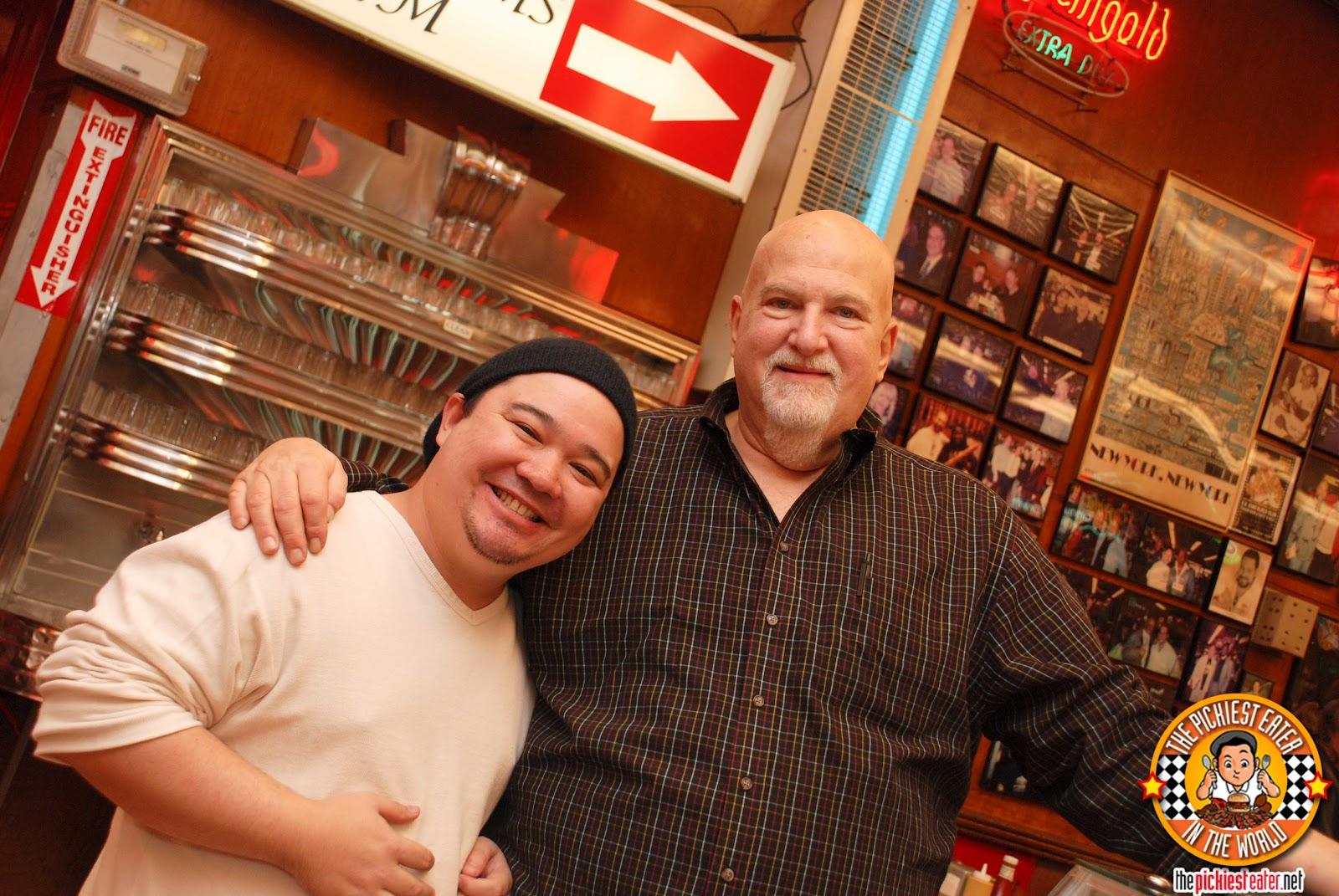 http://2.bp.blogspot.com/-rNSFMpSeaak/UHKpMqIn1ZI/AAAAAAAAPjQ/1nxyuu5KHVo/s1600/Katz.Deli.New.York-20.jpg