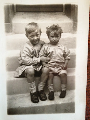 Olive Tree Genealogy Blog: Another Set of Orphan Identified Photos from Cousin Doris