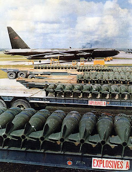 Boeing B-52D Stratofortress and Mk-83 1000 lb. bombs at Anderesen AB, Guam