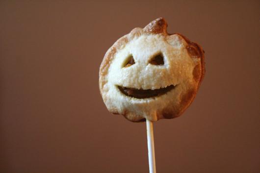 Miss Make: Pumpkin Pie Pops